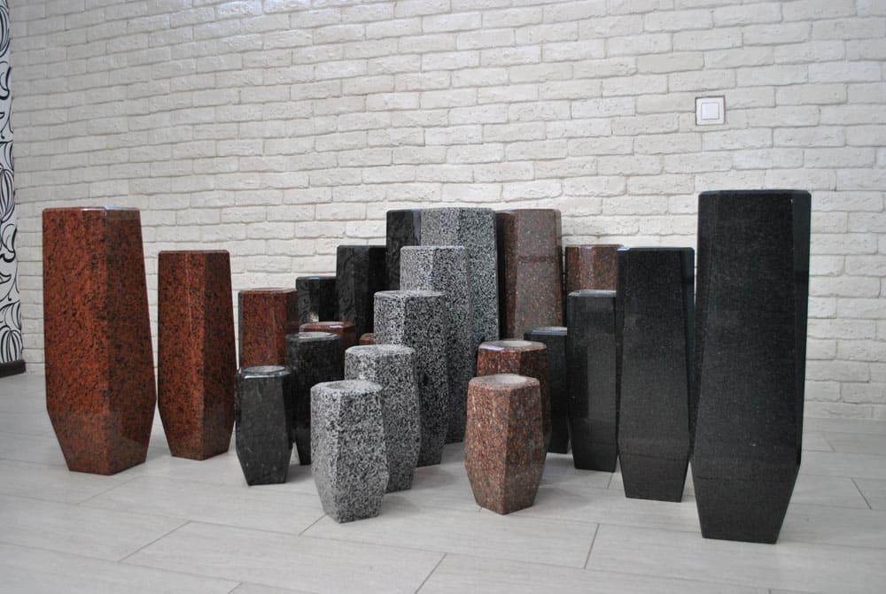 Гранитные вазы ромбической формы