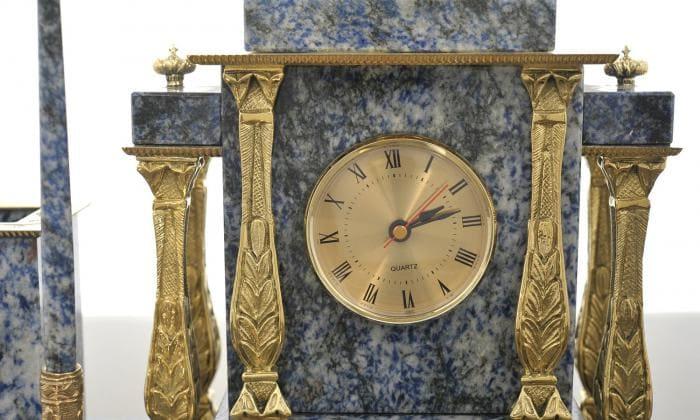 Настольные часы из мрамора и бронзы, Изделие №с02