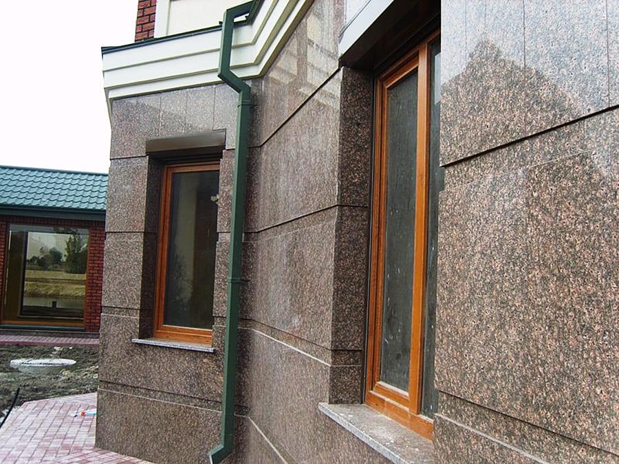 Гранитный фасад, плитка из гранита Дидковичи