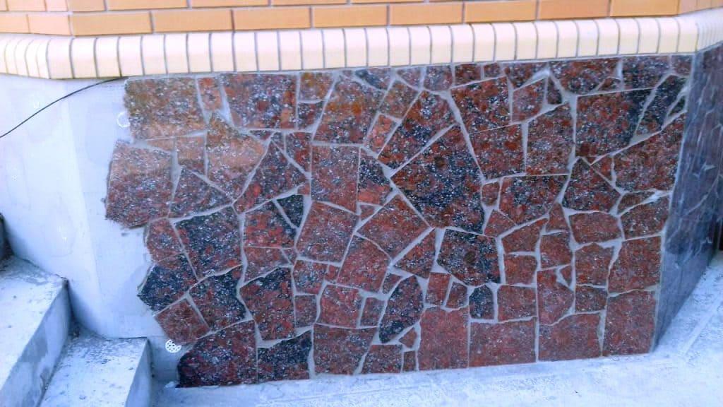 Облицовка цоколя плиткой Брекчия (фото 039)