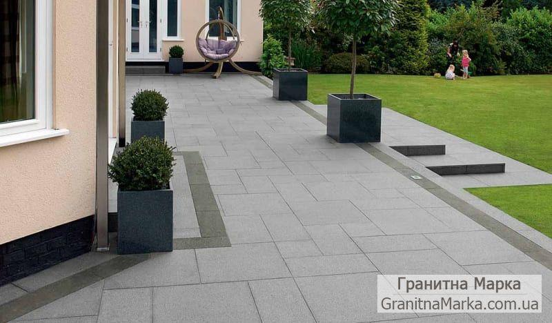 Тротуарная плитка из серого гранита с разными размерами