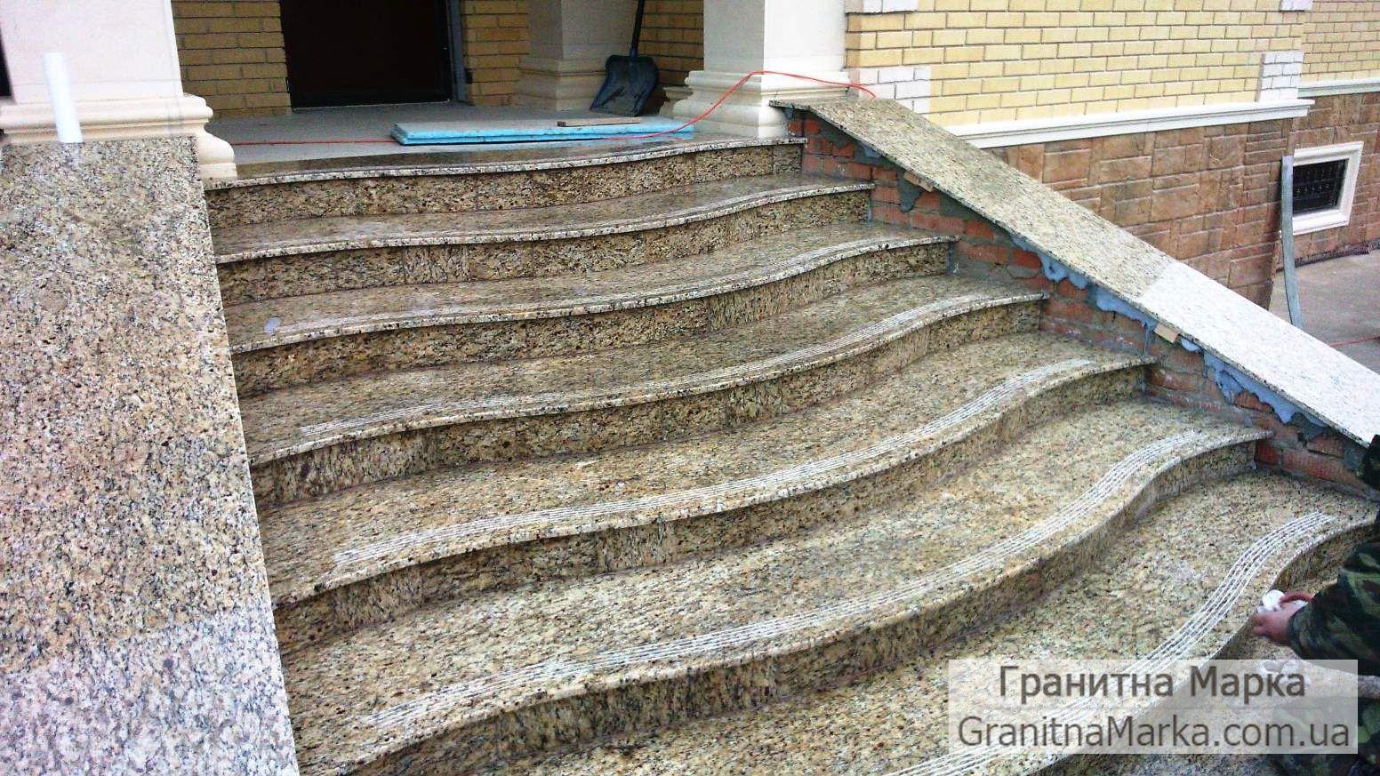 Гранитные ступени полированные, Софиеский гранит, фото №01