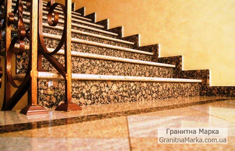 Ступени для лестниц из коричневого гранита, фото №05