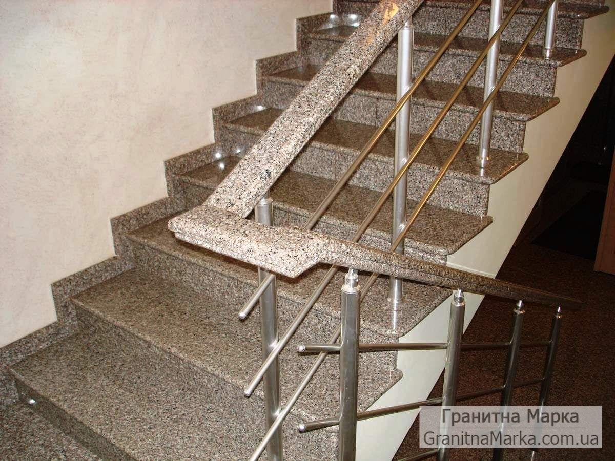 Ступени для лестниц из гранита с гранитными перилами, фото №07