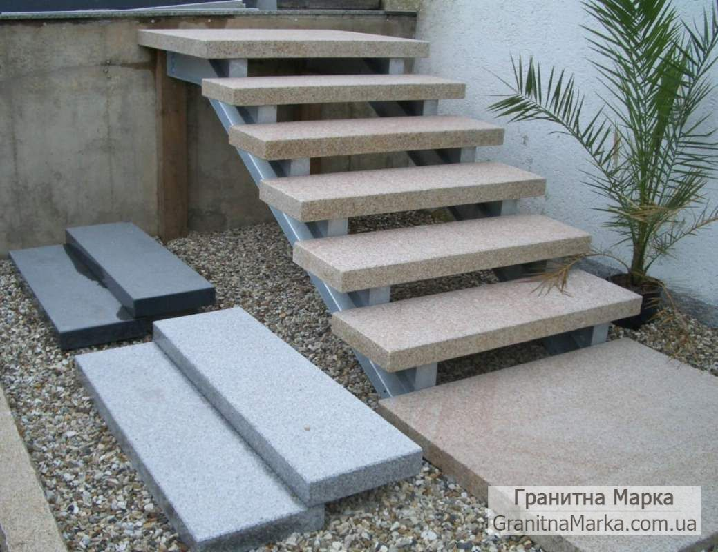 Гранитные ступени для лестниц, фото №11