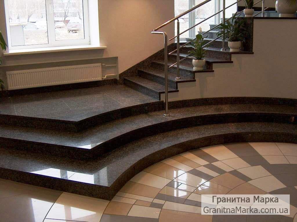 Облицовка ступеней и лестницы гранитом в доме, фото №21