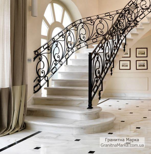 Лестница (ступени) из белого мрамора в доме, фото №05