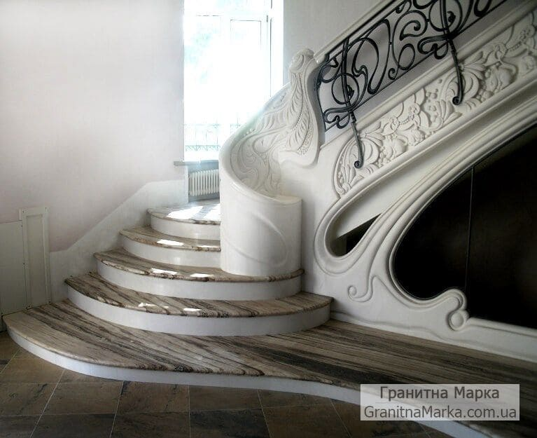 Эксклюзивная лестница из мрамора с резьбой, фото №13