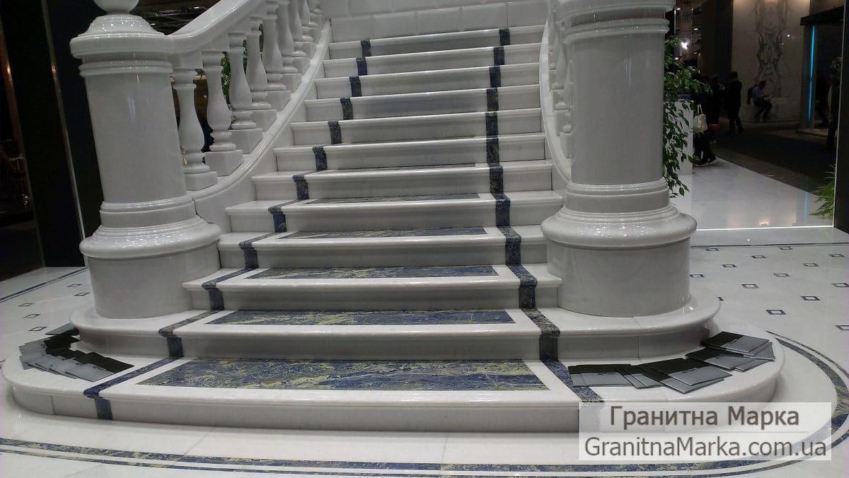 Видовая лестница из белого мрамора, фото №14