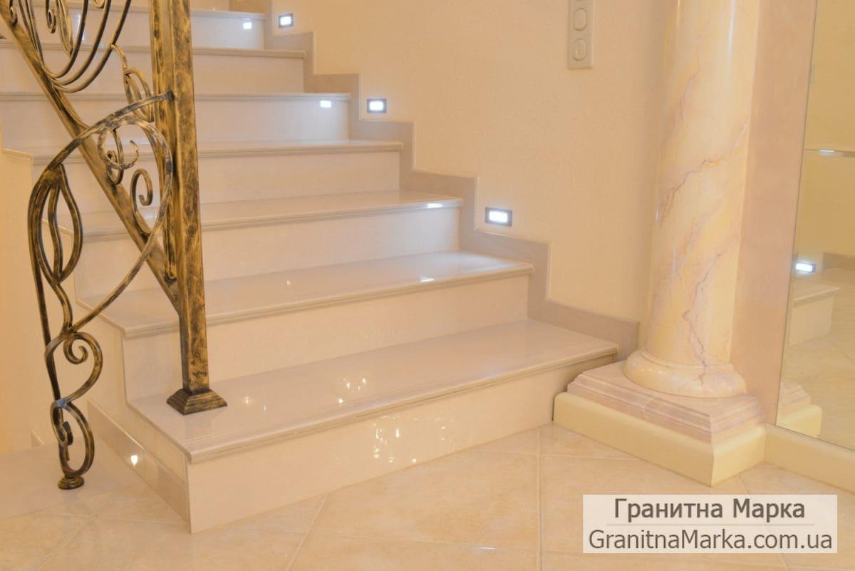 Мраморные ступени в доме, фото №20