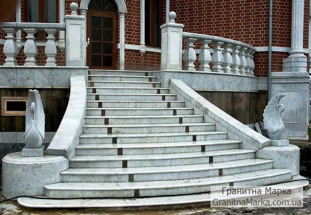Входные ступени из мрамора на улицу, фото №22