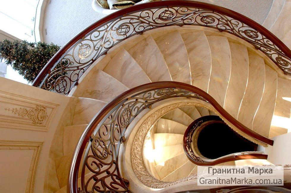 Винтовая Лестница из мрамора, фото №24