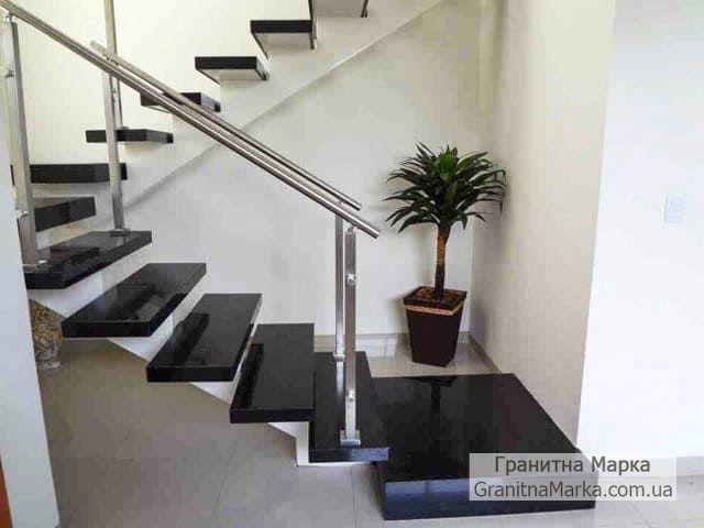Лестница из черного гранита с накладными ступенями, фото №08