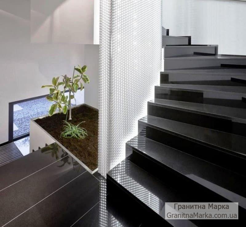 Лестница из черного гранита, фото №09
