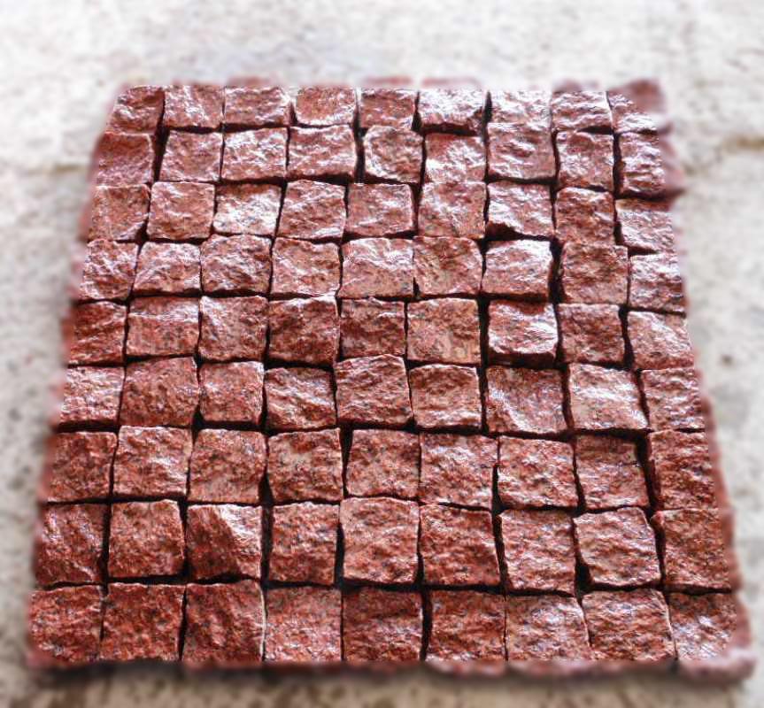 Колотая брусчатка из красного гранита