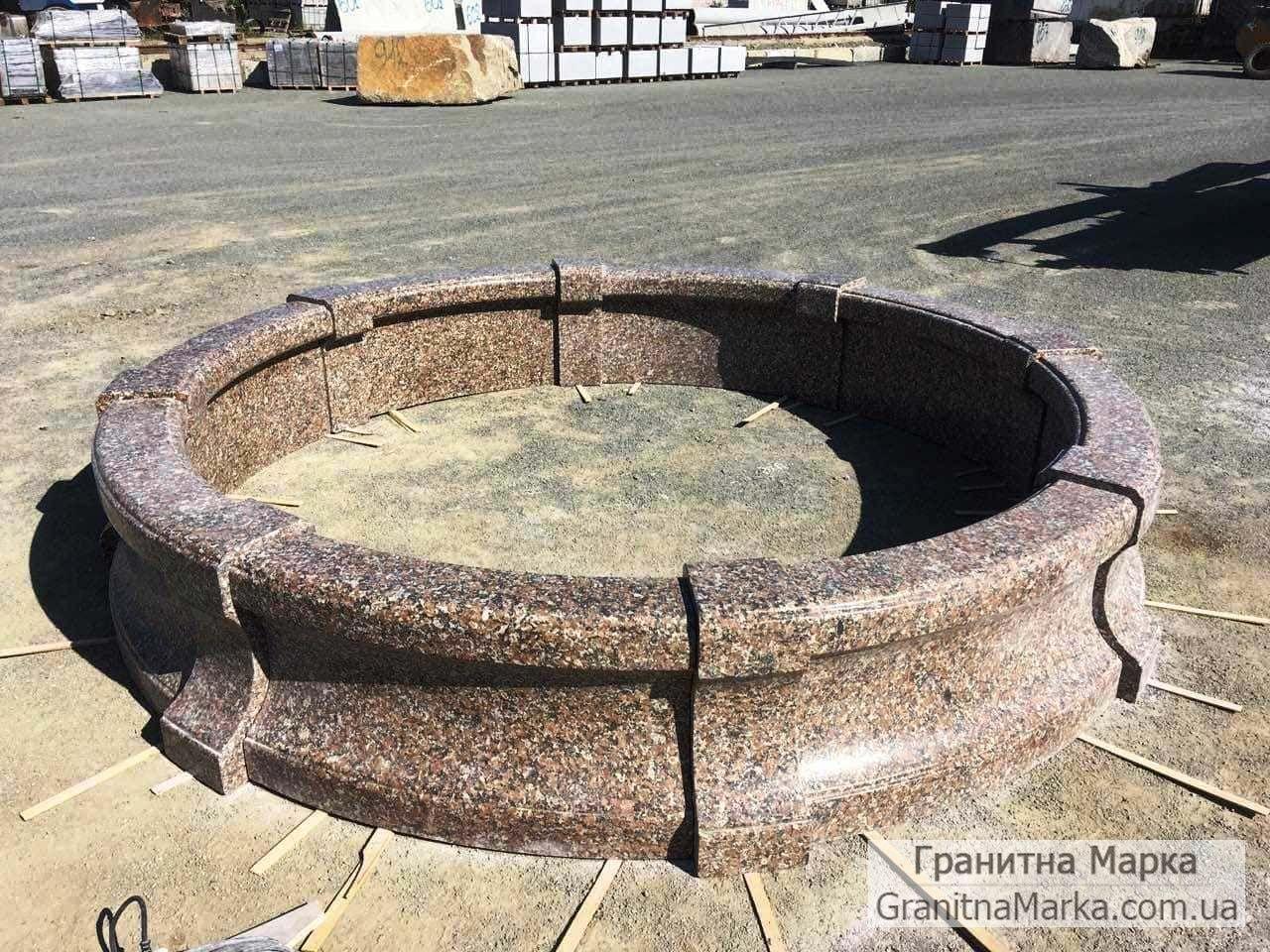 Фигурный составной бордюр для клумбы из гранита, фото №23