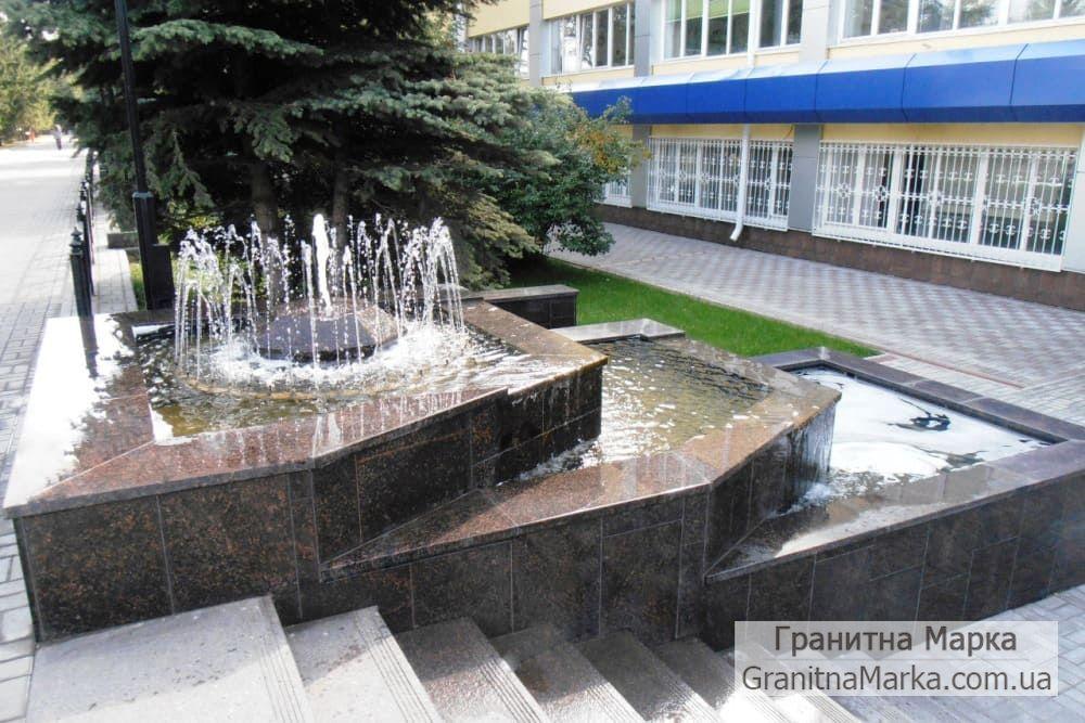 Облицовка много уровневого фонтана гранитной плиткой, фото №111