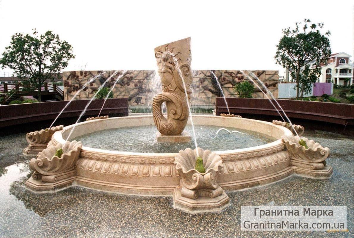 Фигурный фонта со скульптурой в центре, фонтан на 8 точек