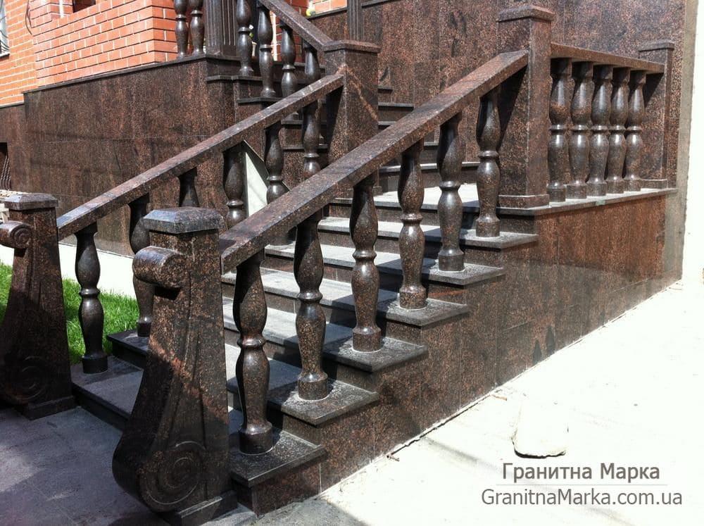 Гранитные перила с балясинами для ступней из гранита, фото №15