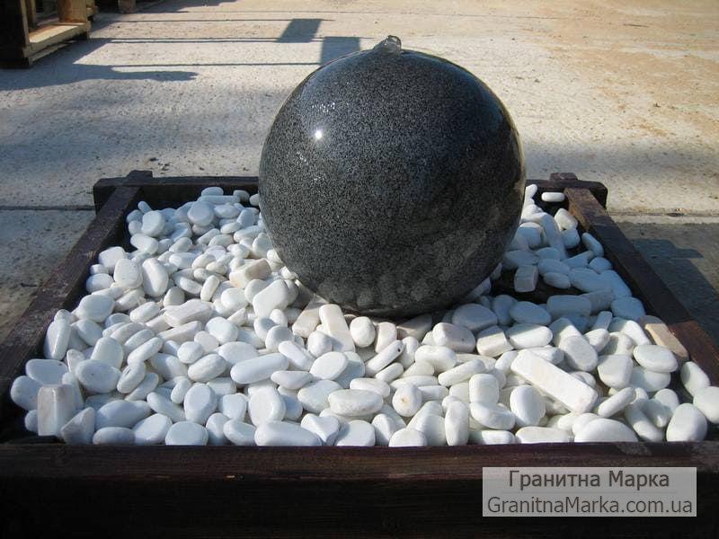 Декоративный шар-фонтан из гранита, фото №03
