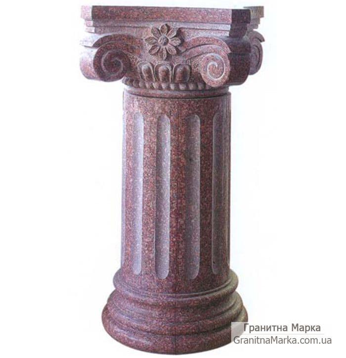 Невысокая колонна с резной капителью , фото №G-07