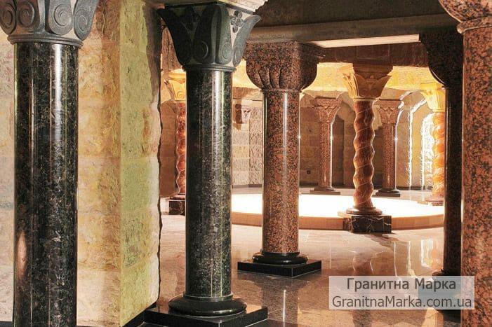 Гранитные колонны в зале купели, фото №G-10