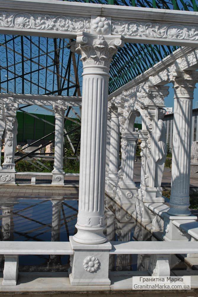 Резбленная колонна из мрамора, фото №M-08