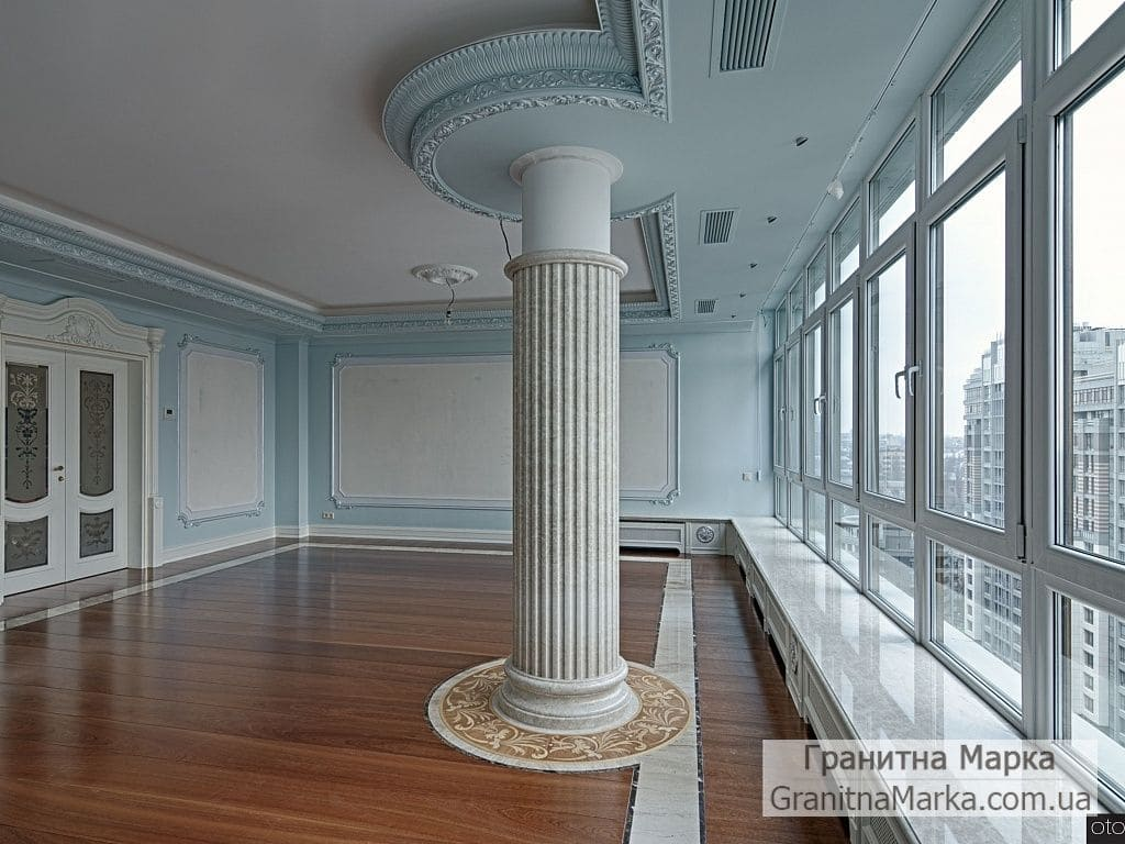 Мраморная фальш-колонна в квартире, фото №M-12